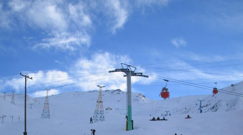Skiing in Middle East: Lift