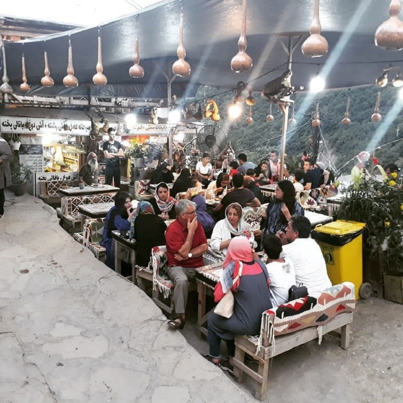 Drink & Eat in Iranian Teahouses