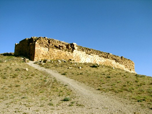 Ruins of tall-e-takht at Pasargad