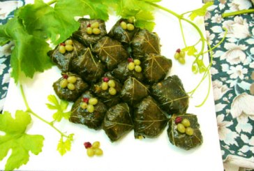 How to Cook Stuffed Grape Leaves (Dolmeh Barg-e Mo)