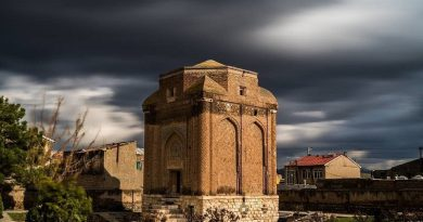 Maragheh Historical Attractions: Red Dome / Tomb Tower
