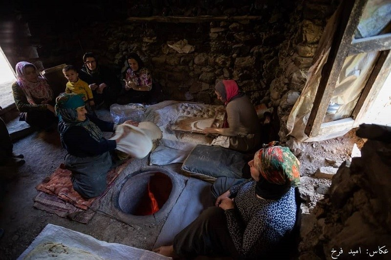 ecolodge in Sardasht: cooking cookies